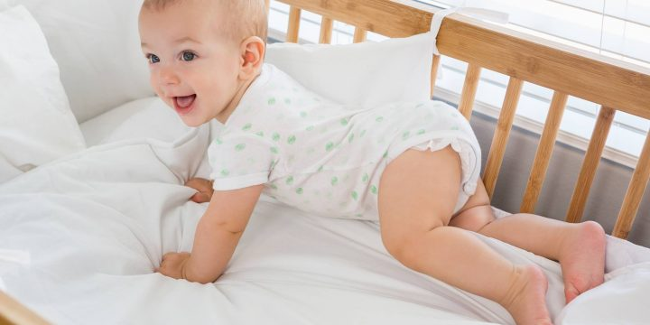 6 Cara Mengatasi Bayi Susah Tidur