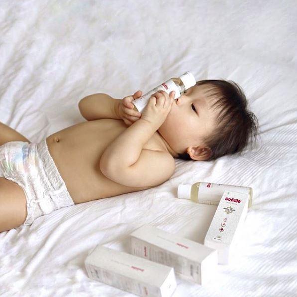 5 Tips Mencegah Kulit Bayi Kering dan Kasar