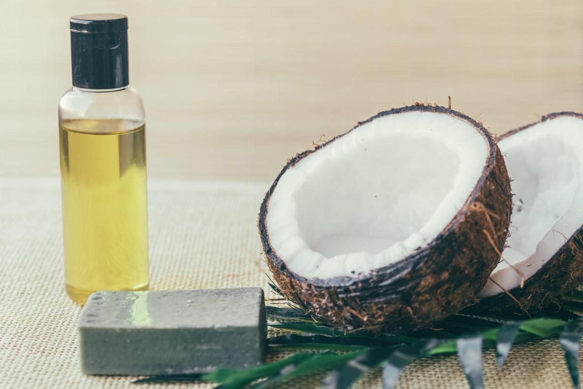 Wajib Tahu! Manfaat minyak kelapa untuk bayi
