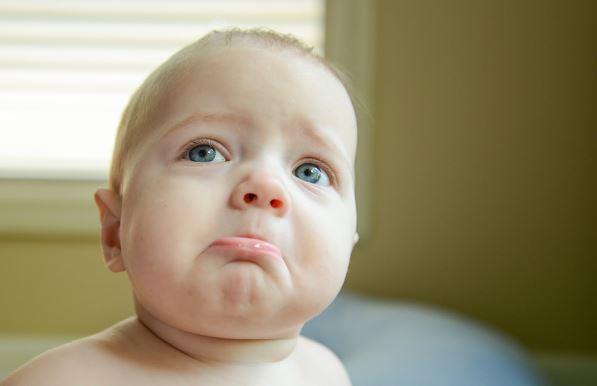 5 Cara Mengobati Sariawan Pada Bayi yang Efektif