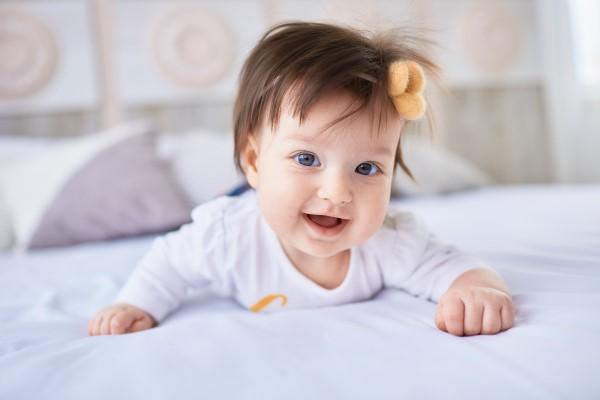 5 Bahan Alami Ini Jadi Cara Melebatkan Rambut Bayi yang Efektif