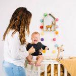 Moms, Apa Penyebab Bayi Menangis Tengah Malam?