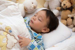 Anak Laki-Laki Bermain Boneka, Boleh Gak Sih ?